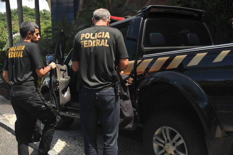 Agentes da Polícia Federal fazem buscas no Edifício Residências Giacomo Puccini, na Lagoa Rodrigo de Freitas, no Rio de Janeiro (RJ), durante Operação Pausare