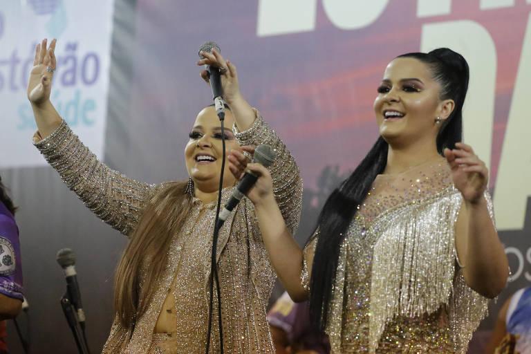 A dupla sertaneja Maiara e Maraisa participa de ensaio da escola de samba Rosas de Ouro