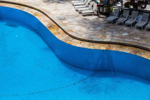 São Paulo, SP, Brasil, 23-01-2018: Detalhe da piscina do Clube Paulistano. (Foto: Alberto Rocha/Folhapress) ** REVISTA ** ** ESPECIAL CLUBES **