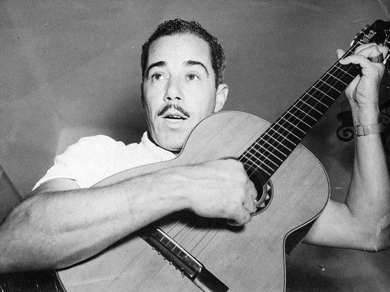 O cantor e compositor Silvio Caldas, na década de 50