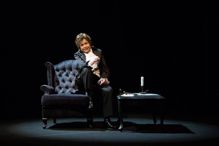 A atriz Nathalia Timberg caracterizada para a peça 'Chopin ou o Tormento Ideal'