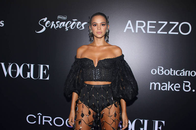 Bruna Marquezine no baile da Vogue
