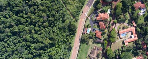 RIBEIRAO PRETO, SP, BRASIL- 01-02-2018 :  Area do condomínio Quinta da Boa Vista e a mata de Santa Tereza nas proximidades.  Condomínios próximos a áreas de mata têm registrado casos de febre amarela - um deles atingiu um morador dessa área da Quinta da Boa Vista.. ( Foto: Joel Silva/Folhapress ) ***COTIDIANO *** ( ***EXCLUSIVO FOLHA***)