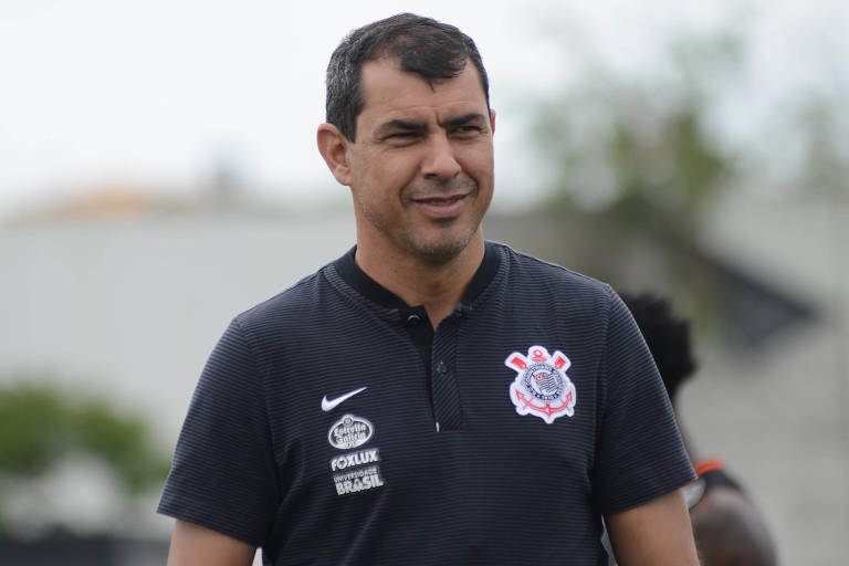 Fábio Carille durante treino do Corinthians no CT Dr. Joaquim Grava, zona leste de São Paulo