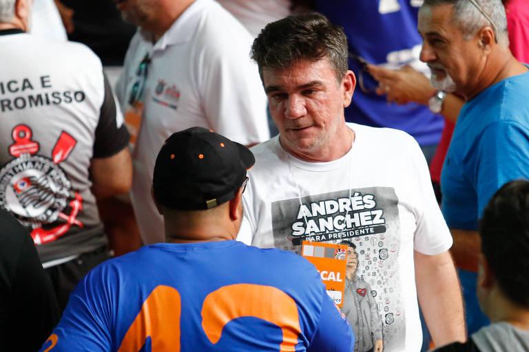 Andrés Sanchez acompanha a eleição para presidência do Corinthians no Parque São Jorge