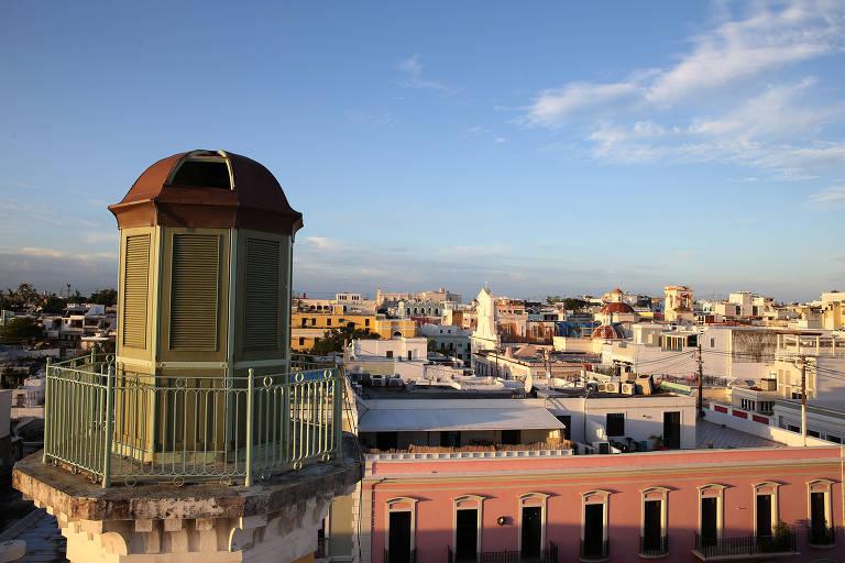 Vista da Velha San Juan, o centro histórico da capital de Porto Rico, do terraço do hotel Monastério, usado como base pelos criadores da 'Puertopia'