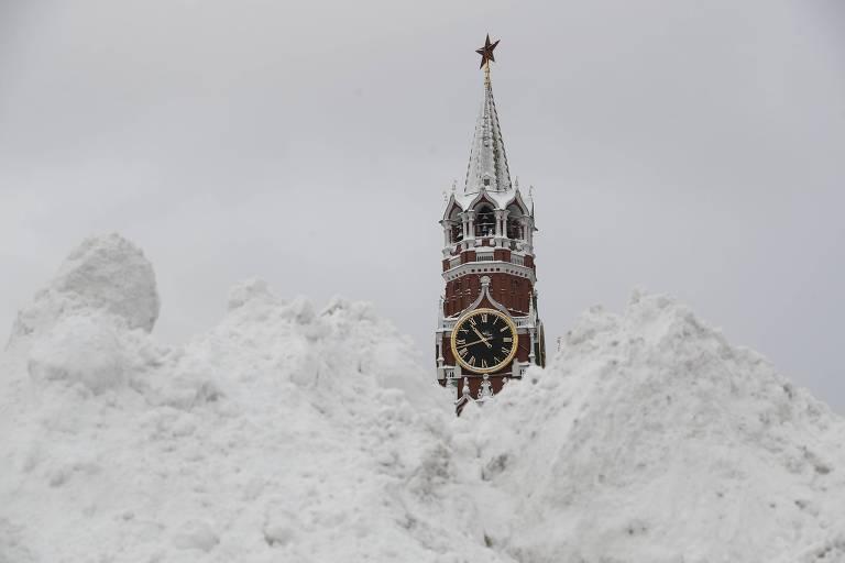 Moscou pede ajuda ao Exército após 'nevasca do século'