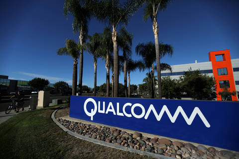 FILE PHOTO: A sign on the Qualcomm campus is seen in San Diego, California, U.S. November 6, 2017. REUTERS/Mike Blake/File Photo                              GLOBAL BUSINESS WEEK AHEAD        SEARCH GLOBAL BUSINESS 29 JAN FOR ALL IMAGES ORG XMIT: BWA305