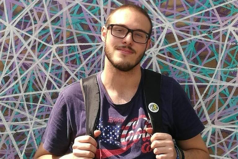 Retrato do estudante de engenharia biomédica Lucas Antônio Lacerda da Silva foi eletrocutado ao encostar em poste de sinalização na rua da Consolação