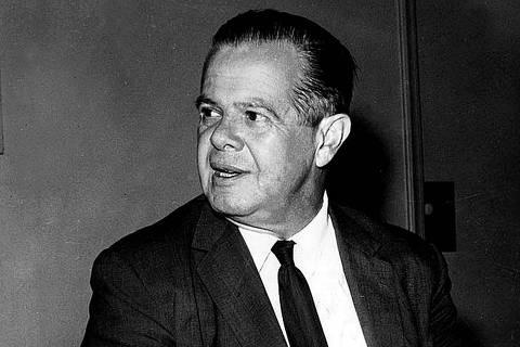 ORG XMIT: 071401_0.tif José Vicente de Faria Lima, prefeito de São Paulo (08.04.1965 - 07.04.1969). Atuou também como brigadeiro da Aeronáutica e secretário da Viação. (Reprodução)
