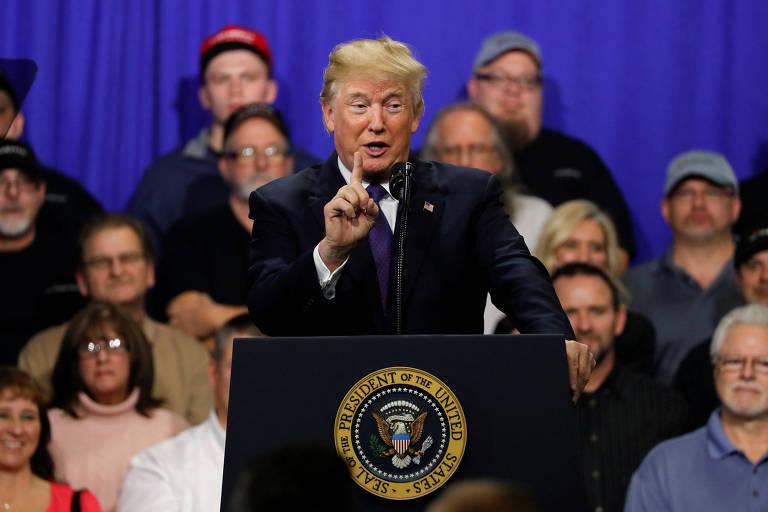 Trump discursa nesta segunda-feira (5) em fábrica em Ohio, no Meio-Oeste dos Estados Unidos