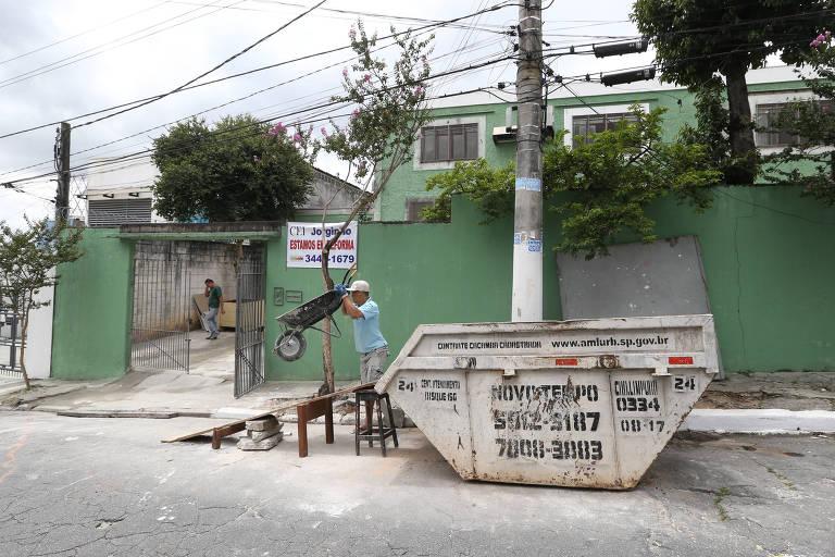 Prédio da CEI Jorginho, em Americanópolis, na zona sul, ainda está em obras e não há previsão de término