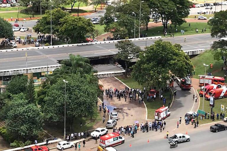Parte de Via Expressa cai no centro de Brasília