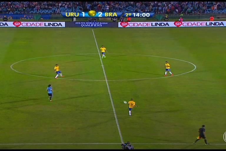 Imagem de propaganda do programa Cidade Linda no jogo Uruguai x Brasil, no Uruguai