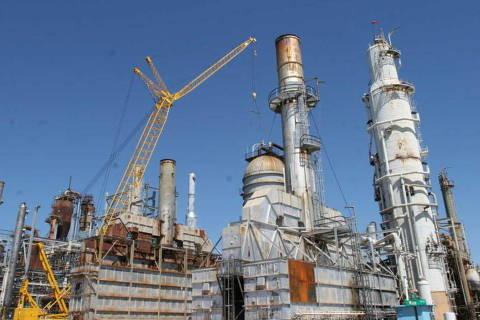 Petrobras decide segurar repasses aos combustíveis apesar da alta do petróleo