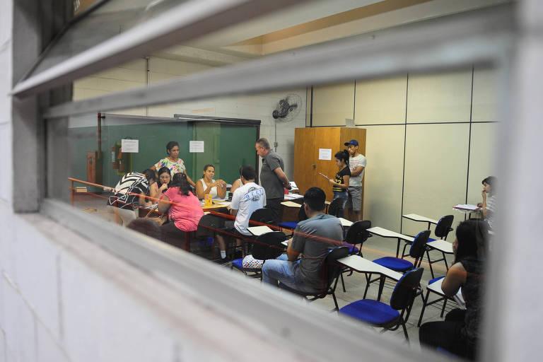 Alunos fazem a matricula do Sisu no Instituto Federal de São Paulo