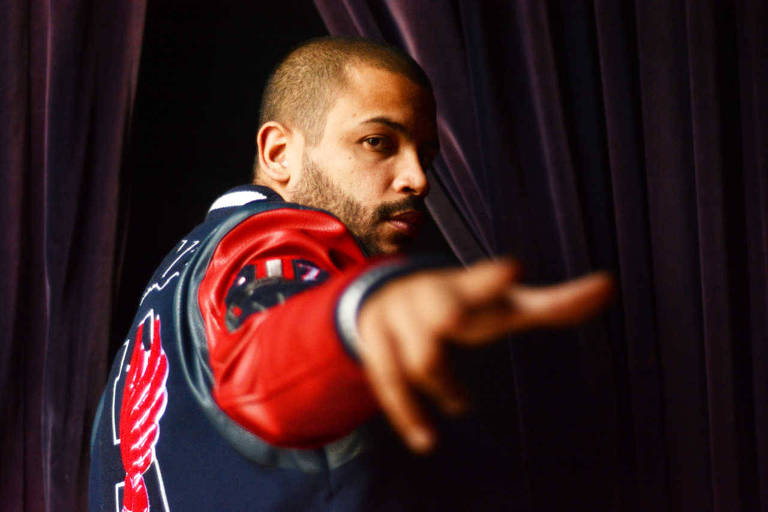 O rapper Projota se apresenta nesta quinta