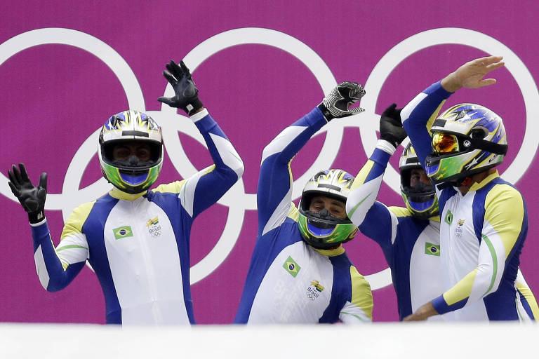 Equipe de bobsled do Brasil, composta por Edson Bindilatti, Odirlei Pessoni, Edson Ricardo Martins e Fabio Goncalves Silva, vibra durante prova disputada na Olimpíada de Inverno de Sochi-2014