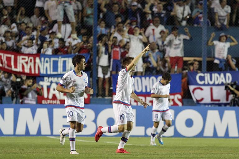 Nacional comemora o gol da vitória sobre a Chapecoense, em Montevidéu