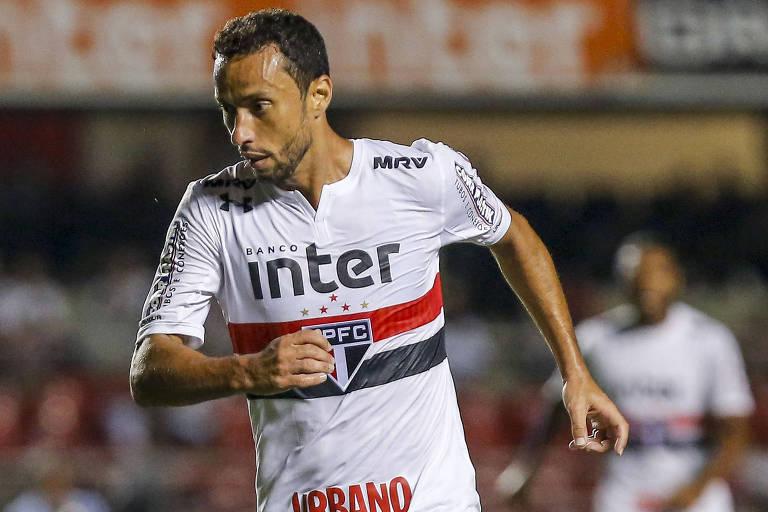O meia Nenê, do São Paulo, durante a vitória por 1 a 0 sobre o Bragantino, no Morumbi