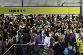 Metrô detém 34 foliões suspeitos de vandalismo no Carnaval em SP