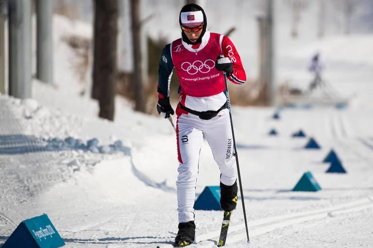 Marit Bjorgen, da Noruega, participa de treino de ski cross -country em PyeongChang