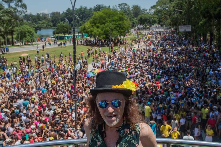 Alceu Valença durante a apresentação do bloco Bicho Maluco Beleza, em São Paulo