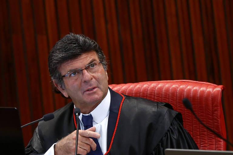 O ministro Luiz Fux preside sua primeira sessão no TSE, no dia 8 de fevereiro