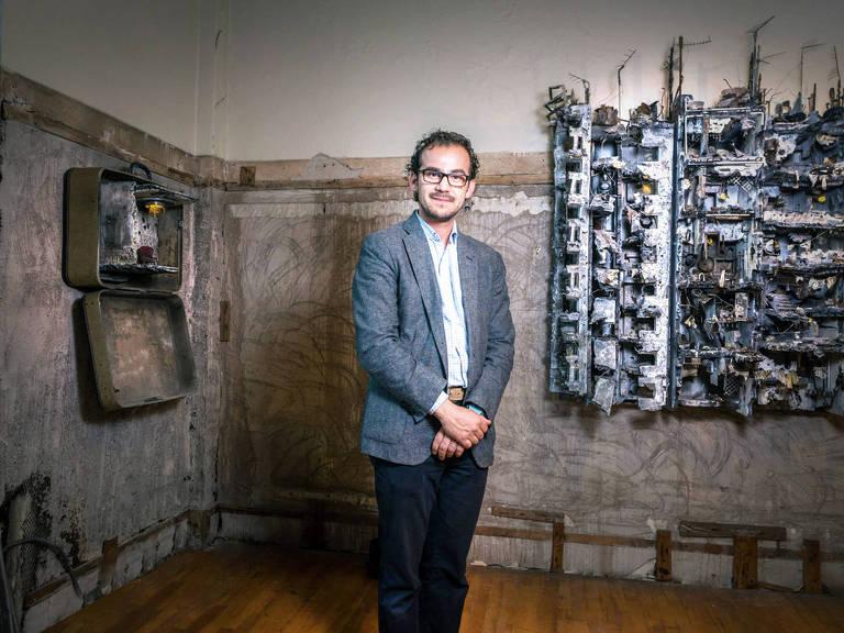 O artista plástico Mohamad Hafez, sírio radicado nos Estados Unidos