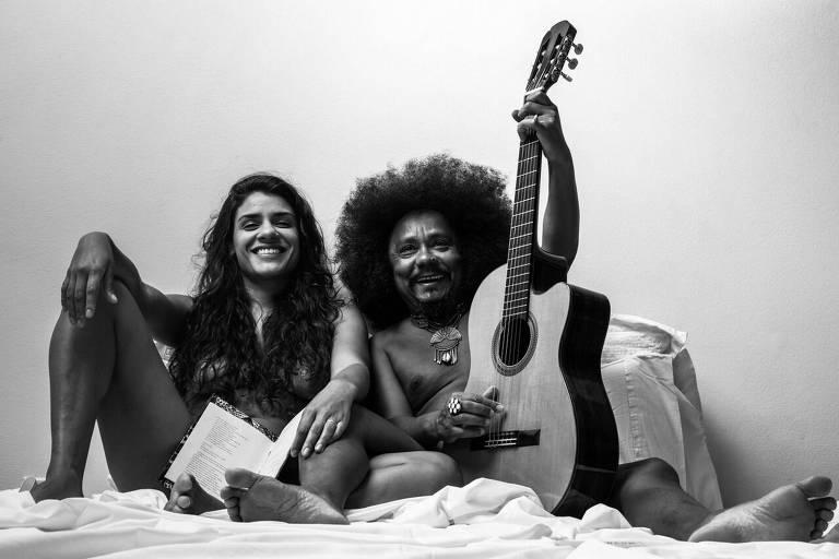 O casal Chico César e Bárbara Santos se apresentam juntos nesta sexta