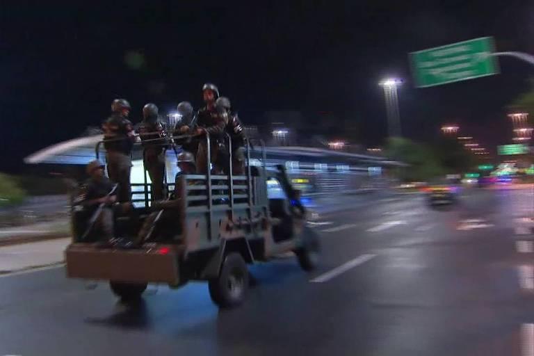 Militares participam de operação de segurança no Rio de Janeiro