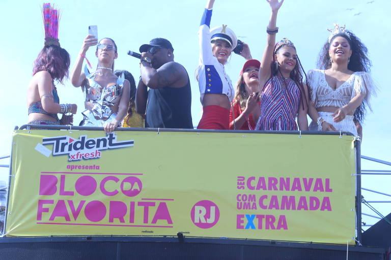 Paloma Bernardi, Carol Sampaio, Ticiane Pinheiro e Juliana Alves no Bloco da Favorita