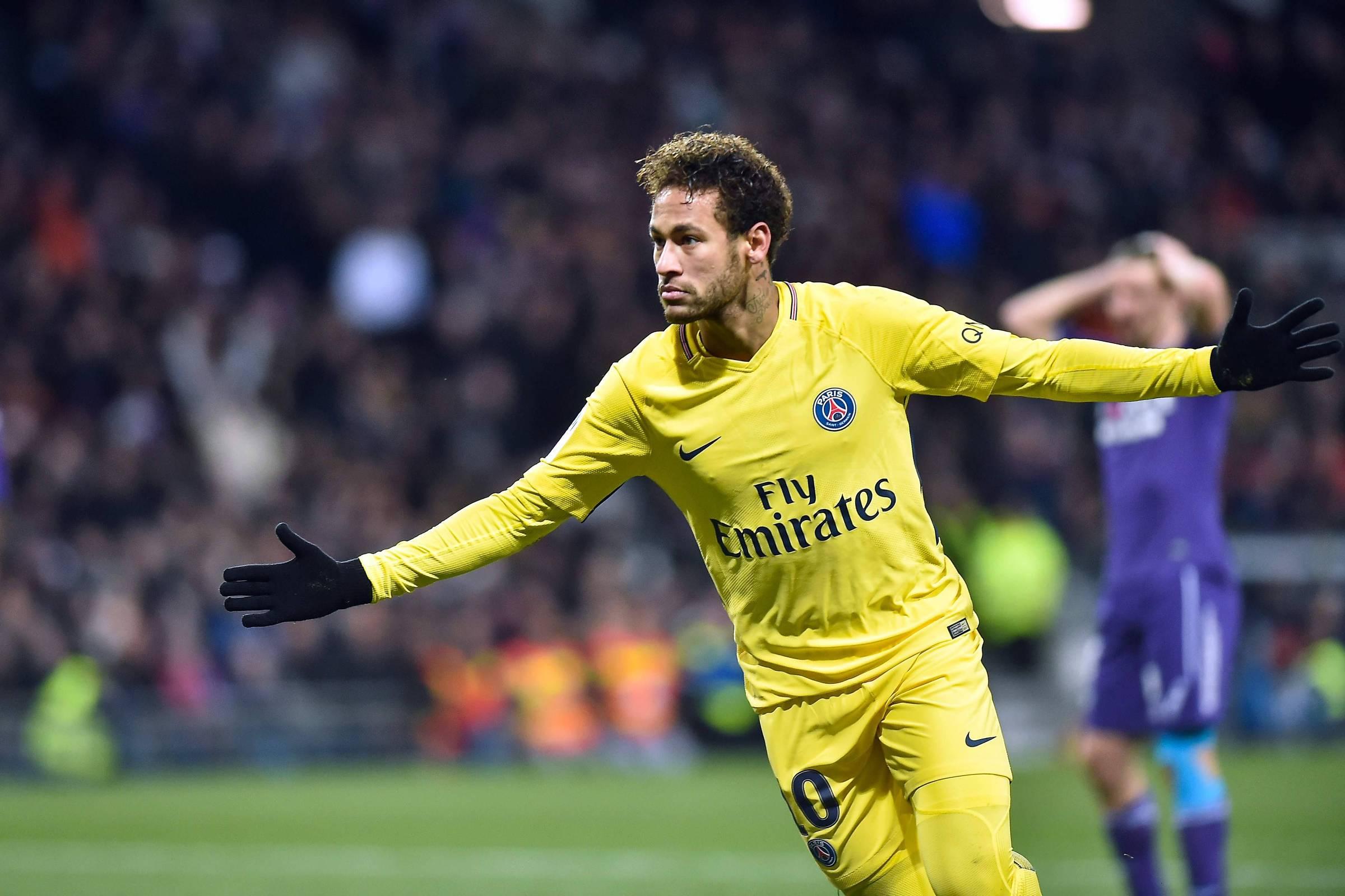 O clube Neymar - 11 02 2018 - PVC - Folha 19ab39d966e31