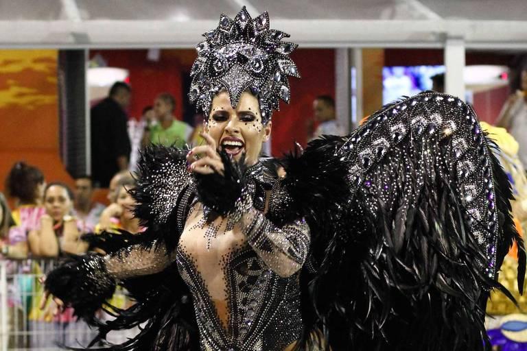 Ana Paula Minerato desfile na Gaviões da Fiel