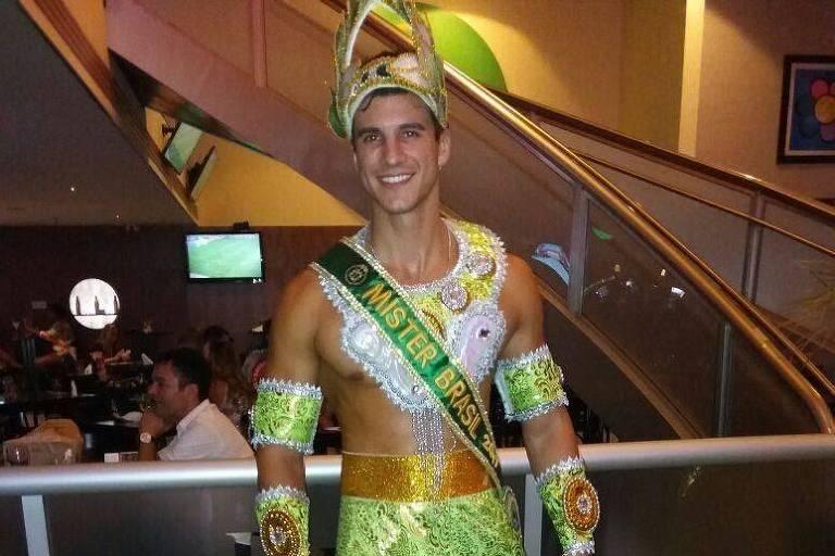 Bruno Poczinek, o Mister Brasil 2017, desfila de Deus Grego para a X-9