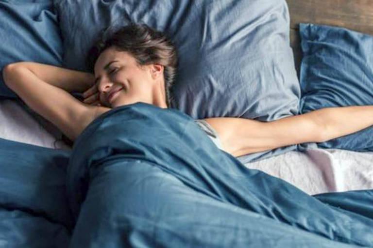 Professora desafia seus alunos a dormirem 8 horas por noite durante uma semana