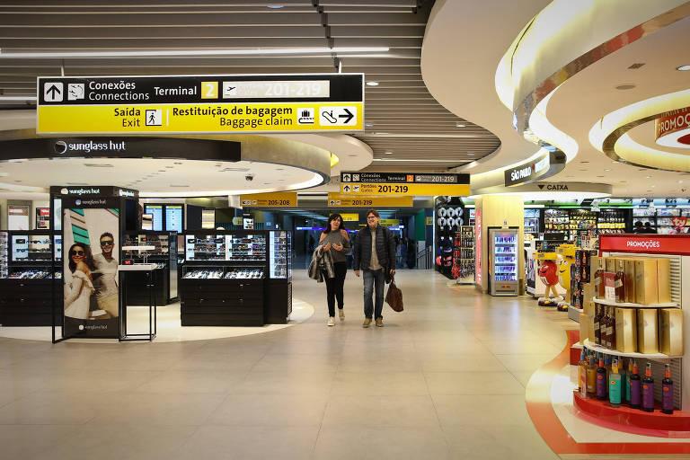 Com arrecadação estagnada, prefeitos cobram IPTU de aeroporto privatizado