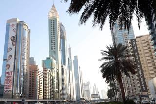 Brasileiro já pode viajar sem visto para os Emirados Árabes Unidos
