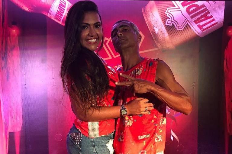 Romário e a filha no camarote Itaipava, no primeiro dia de desfile das escolas de samba do Rio