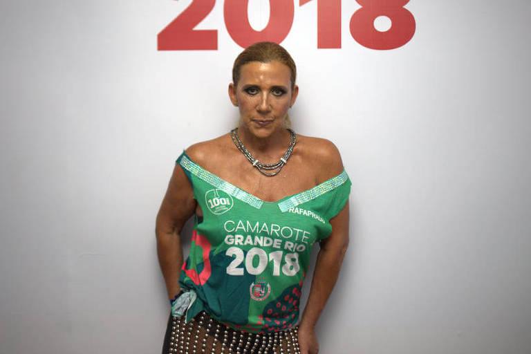 Rita Cadillac na concentração da Grande Rio