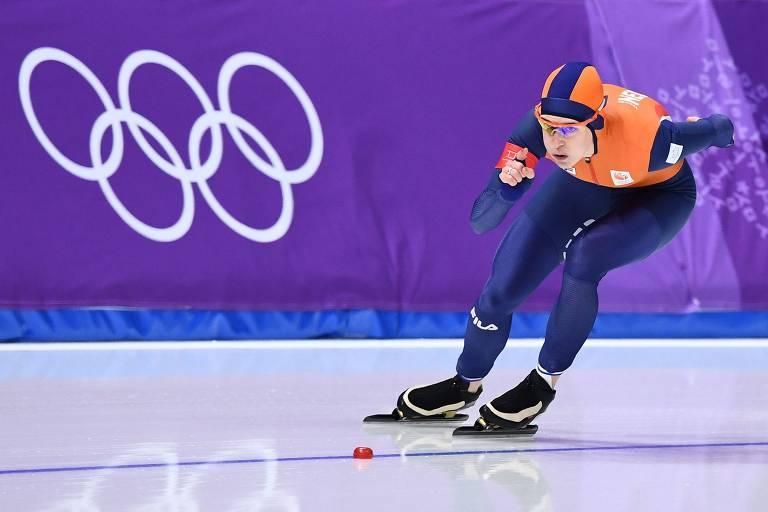A holandesa Ireen Wust compete na prova dos 1.500 m da patinação de velocidade nos Jogos de PyeongChang