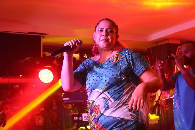 A cantora Marília Mendonça se apresenta no camarote Guanabara
