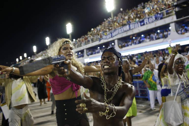 Beija-Flor sacode Sapucaí com samba crítico à corrupção