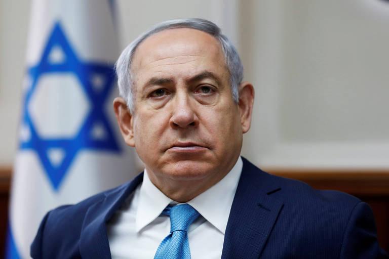 O premiê israelense, Binyamin Netanyahu, durante reunião ministerial em Jerusalém no domingo (11)