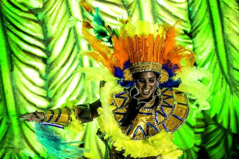 Segundo dia de desfiles da Sapucaí; apuração será nesta quarta (13)