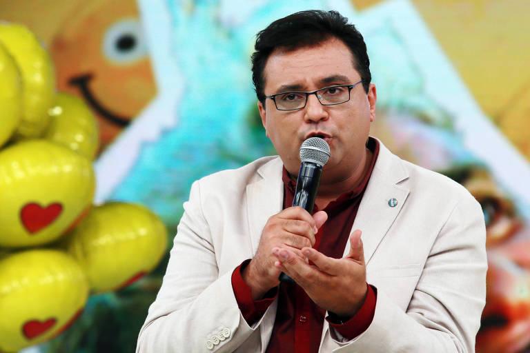 Geraldo Luis, apresentador do Domingo show na rede Record