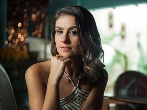 A atriz Patricia Elizardo caracterizada como a personagem Tônia de