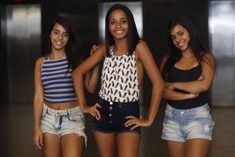 """MC Loma e as Gêmeas Lacração, que chamaram a atenção com o clipe da faixa """"Envolvimento"""""""