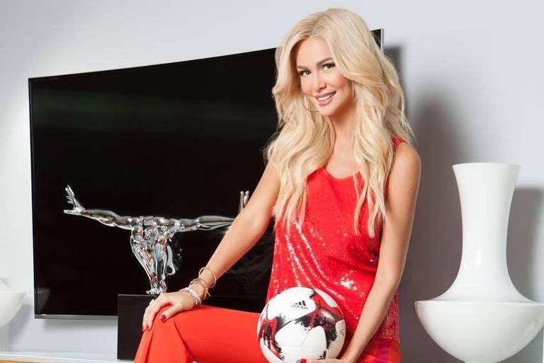 Victoria Lopyreva é uma apresentadora de TV e ex-miss Rússia