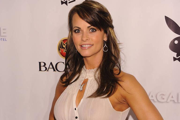 """Karen McDougal em festa da """"Playboy"""" em Miami, em foto de 2010"""